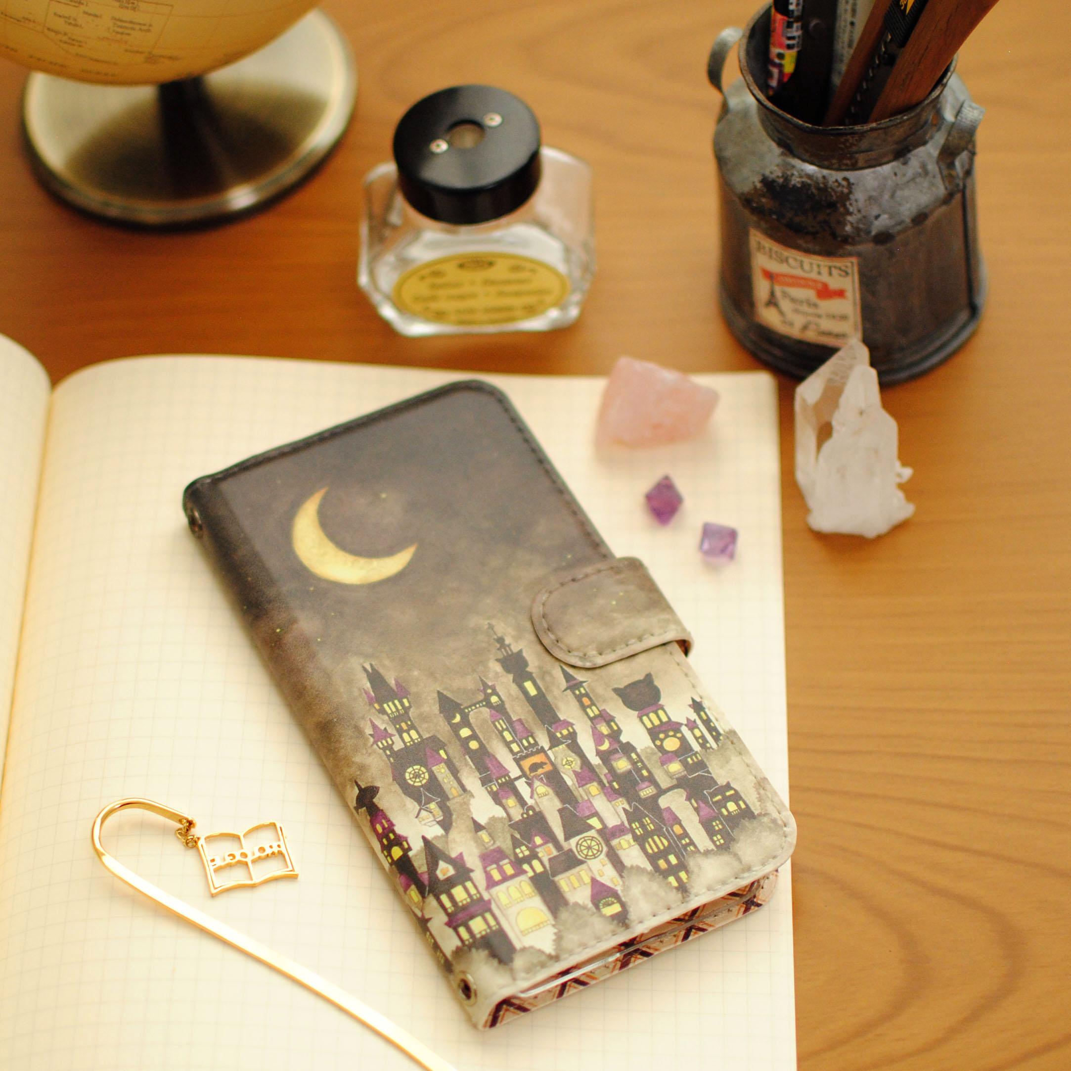 iPhoneSE/6s/7/8/X/Xs 手帳型iPhoneケース「黒猫と三日月の街」【内側デザイン可!】
